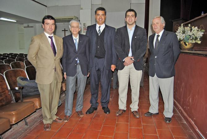 Al finalizar el evento: Cleto Martinez Iriarte, Juan José Sebreli, Juan Pablo Bustos Thames, José Guillermo Godoy y Martin Mendez Uriburu