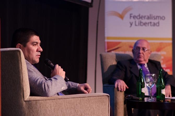 Dialogo entre Miguel Valardez (LA GACETA), y el Ing Franklin Adler