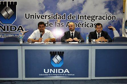 José Guillermo Godoy brindó una conferencia sobre educación en Paraguay