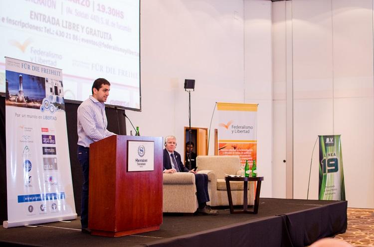 El presidente de Federalismo y Libertad en la Conferencia Argentina, Desafíos y Oportunidades _ 11