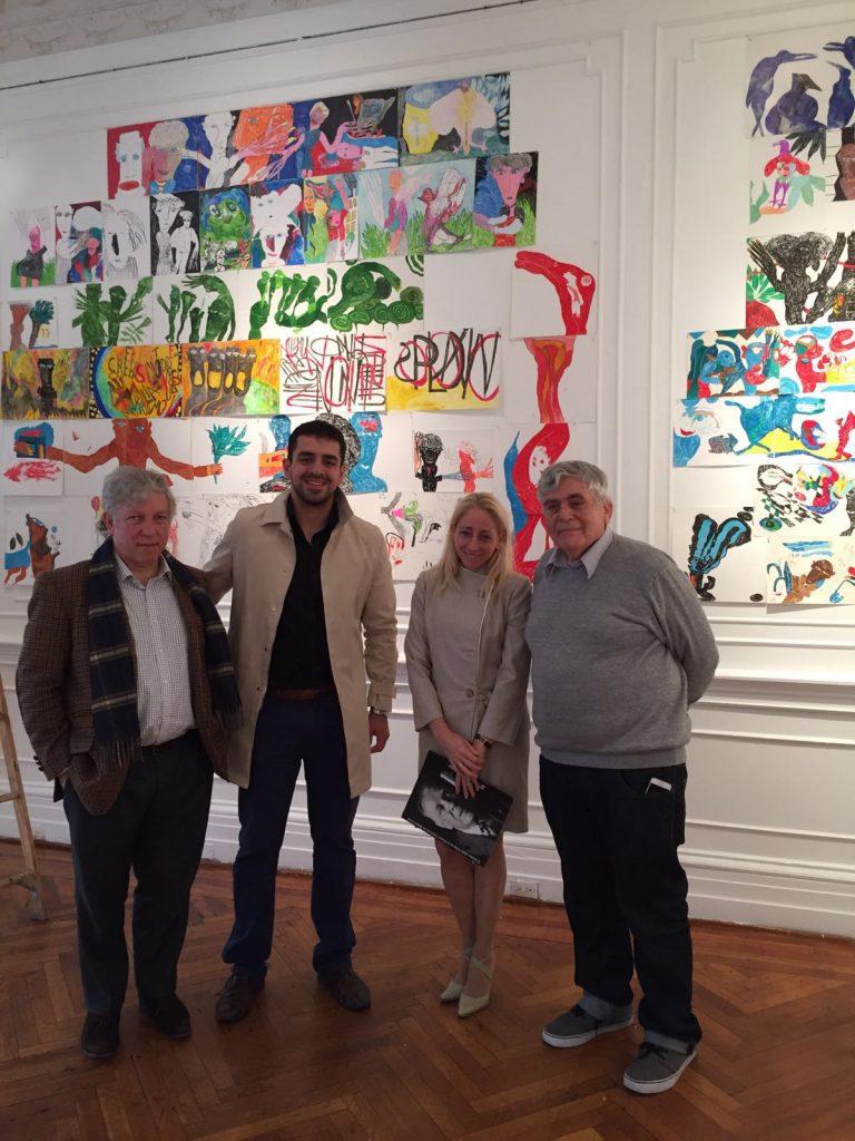 Marcelo Gioffre, José Guillermo Godoy, Claudia Corti y el pintor Pedro Roth en el Consulado argentino en Nueva York