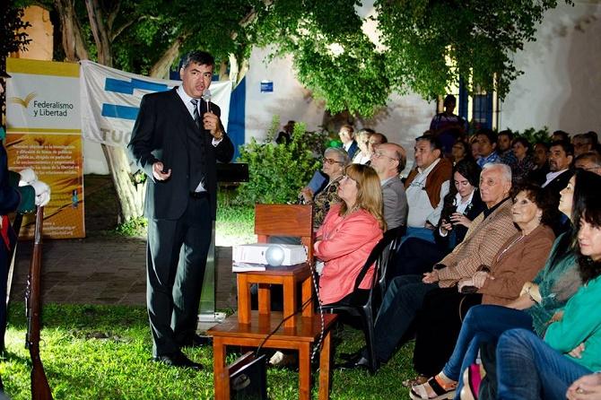 Juan Pablo Bustos Thames - Fundación Federalismo y Libertad