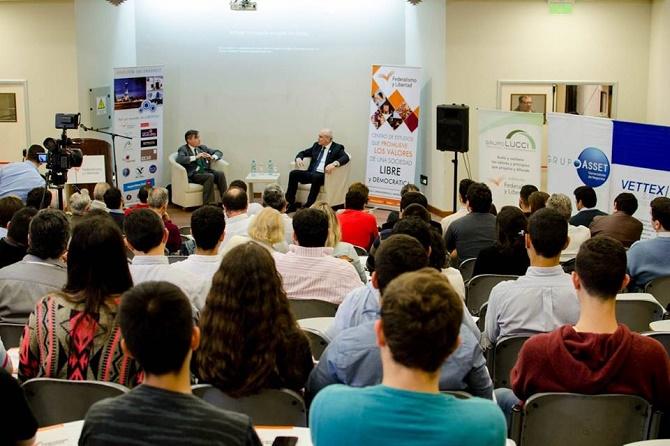 José Luis Espert presentó en Tucumán su libro La Argentina Devorada