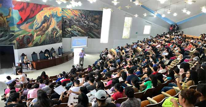 Conferencia en la Universidad Autonoma de Honduras