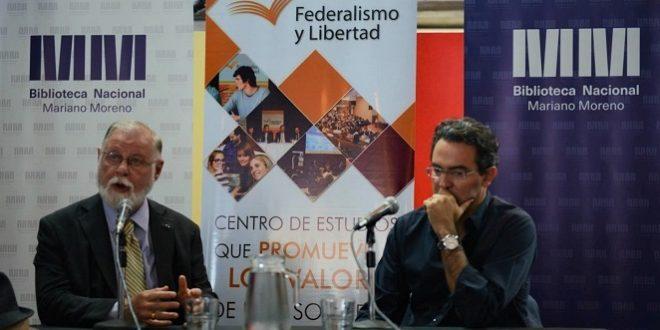 Conversatorio entre Juan Gabriel Vásquez y Alberto Manguel