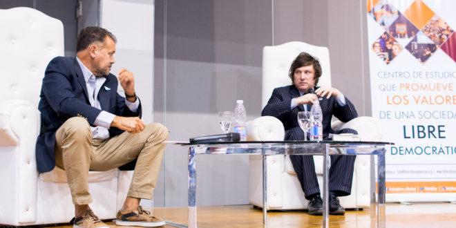 Gran convocatoria en la presentación de Javier Milei en Santiago del Estero