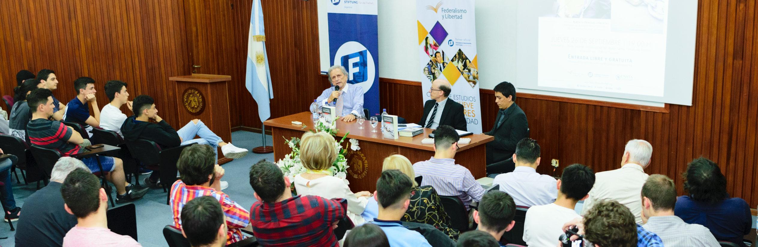 Alberto Benegas Lynch (h)presentóLa Posverdad Socialista en Tucumán