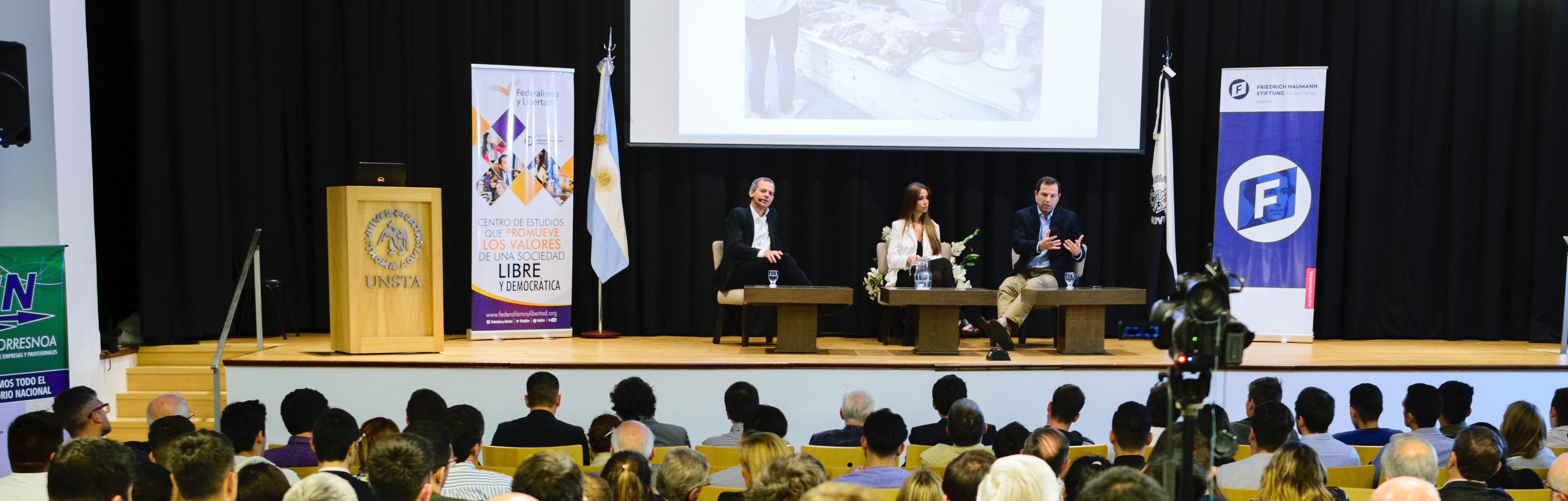 """Lucas Llach y García Hamilton en el Workshop """"Inclusión Financiera"""""""