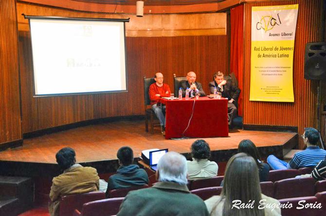 Homenaje a Milton Friedman en Tucumán