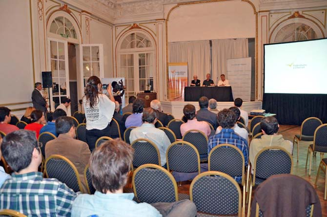 Conferencia Medios y Politica