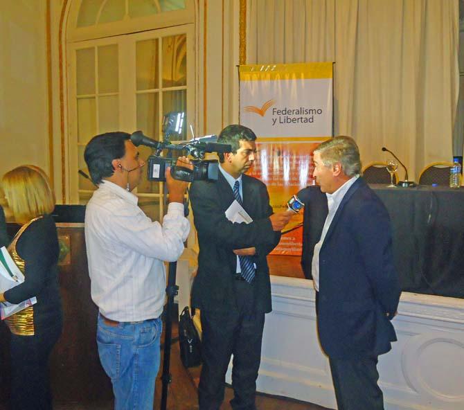 Entrevista a Oscar Aguad