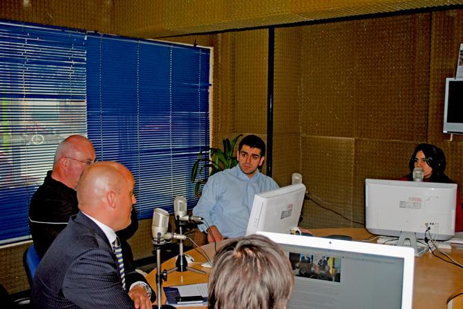 José Guillermo Godoy, Jorg Dehner y Lars Janssen en los estudios de Lv12, programa Qué Tarde Lv12