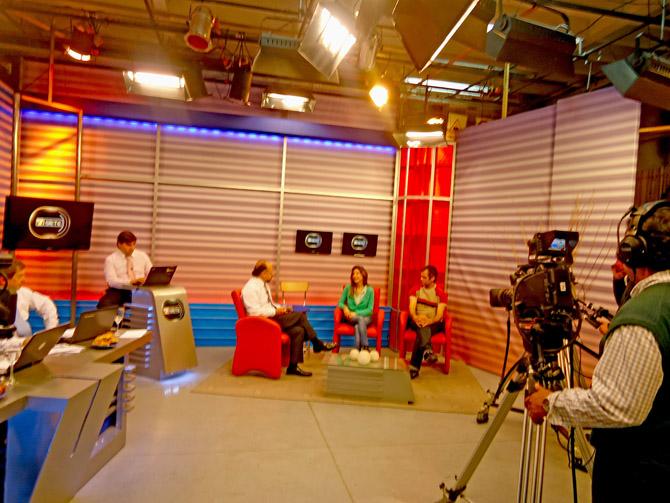 Carolina Azzi y Pablo Racioppi en a a las 7 por Canal 8 de Tucumán (Grupo Telefe)