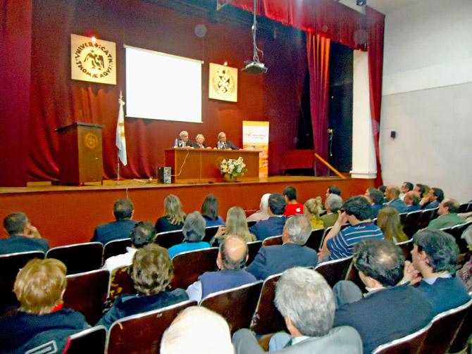 """Importante cantidad de publico en la Conferencia """"Cultura y Libertad"""""""