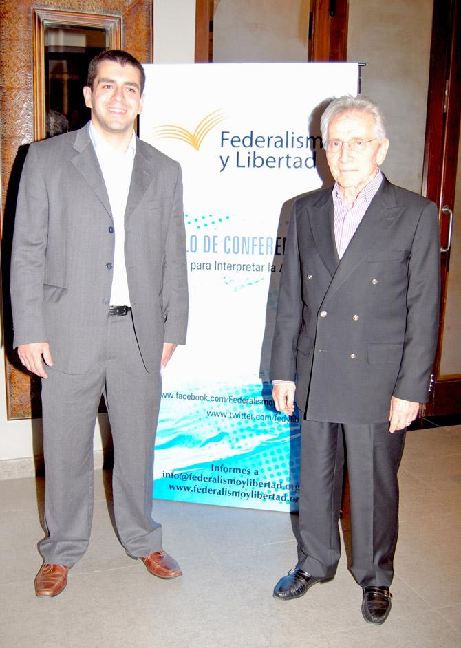 José Guillermo Godoy, presidente de Federalismo y Libertad, junto a Marcos Aguinis