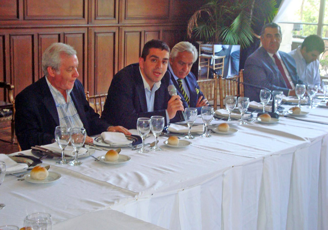 José Guillermo Godoy en la apertura del almuerzo