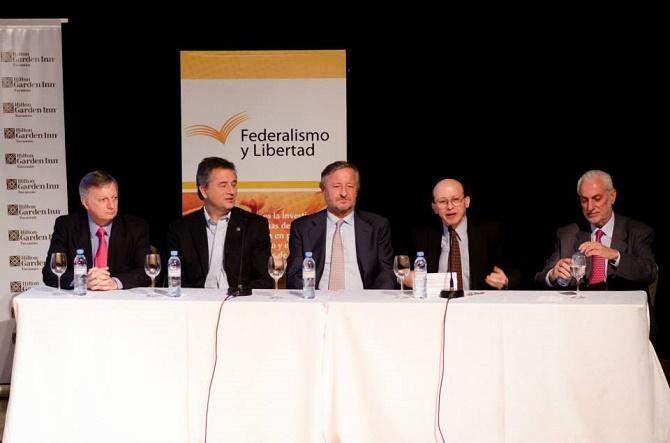 Macri, Rattazzi, Aranguren, Etchevehere y el Padre Pepe en el evento de difusión del Foro de Convergencia empresarial