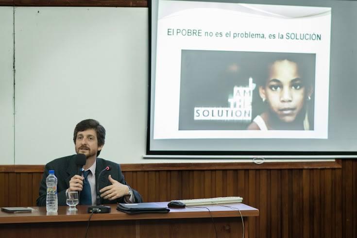 """Se presentó el documental """"Poverty Cure"""" en Tucumán"""