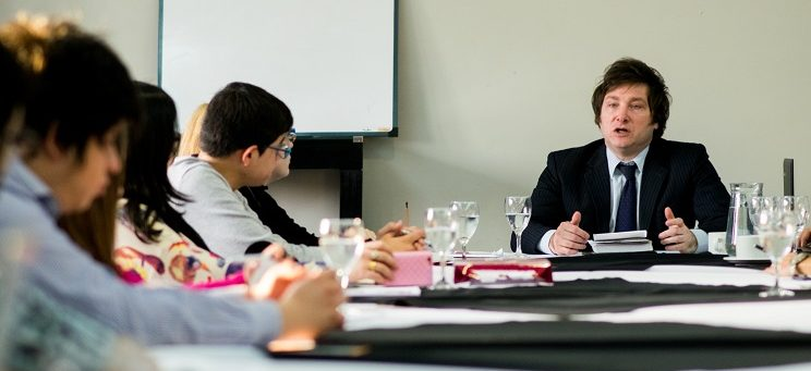 """Taller de Economía """"Keynes, Friedman y la Escuela Austríaca"""""""