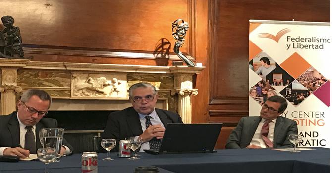 Conversatorio en el Consulado Argentino en Nueva York