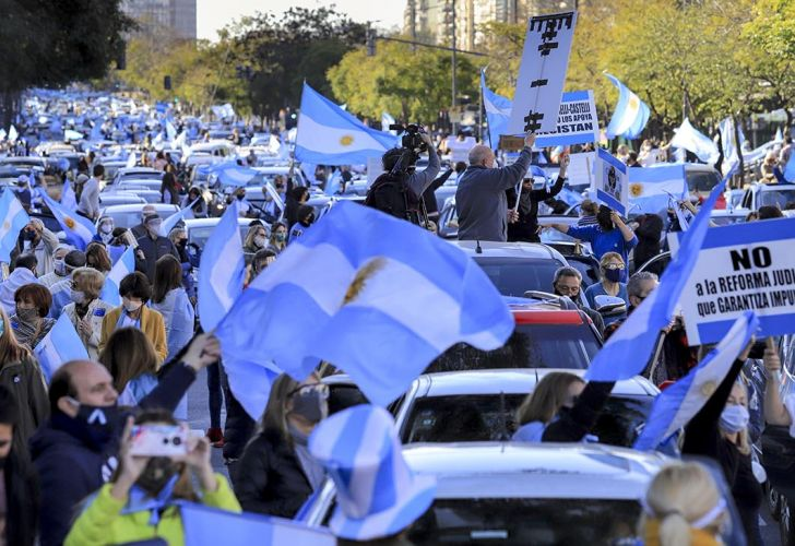 Ricardo López Murphy y Mario Negri disertaron sobre el futuro de la Argentina