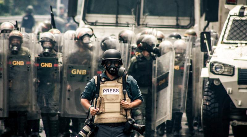 Periodistas y diputados venezolanos analizaron los desafíos de Comunicar en dictadura