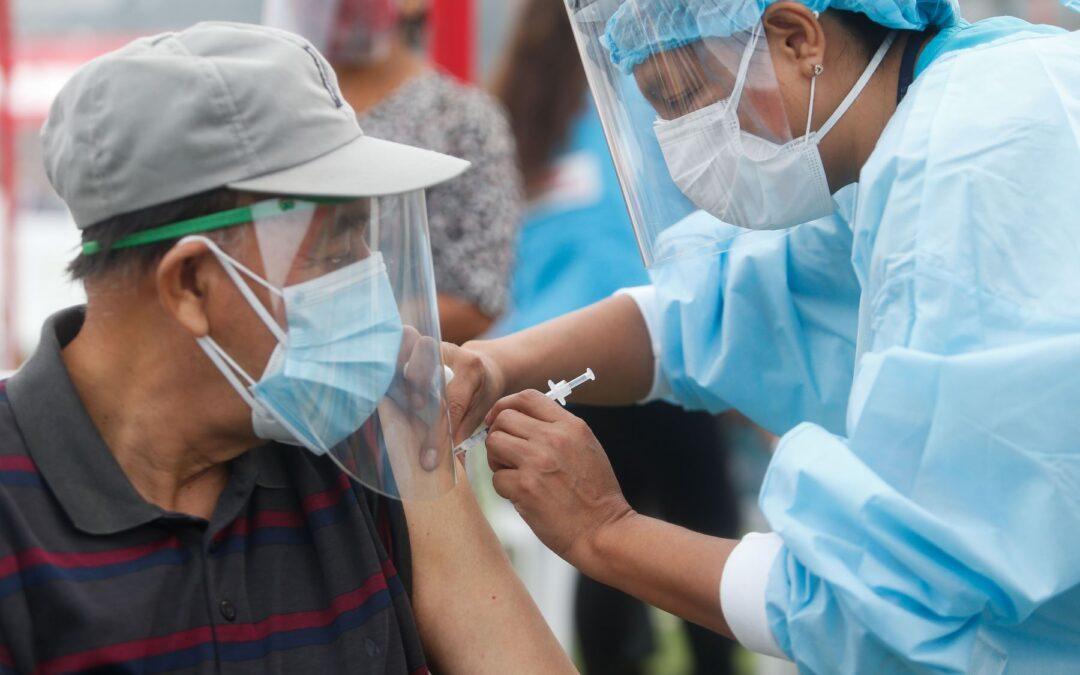 Sólo Vacunar a ¡Mayores de 70 años!